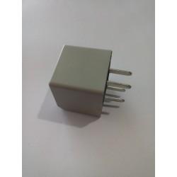 Relevador de accesorios electricos chevrolet 4 patas delgadas